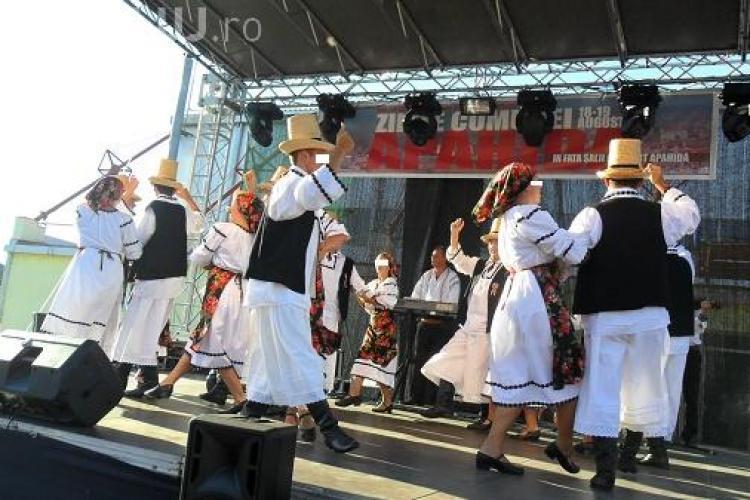 Tinerele din ansamblul Someș Apahida, hărțuite de profesorul de dans. Vezi declarațiile halucinante ale fetelor