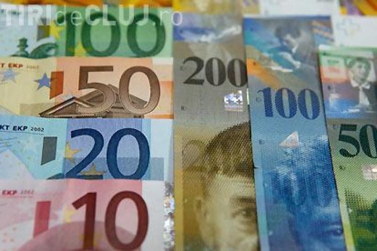 """Volksbank a """"înghețat"""" trei luni cursul francului elveţian"""