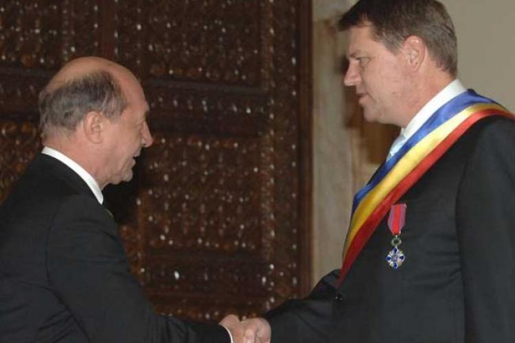 """Întâlnire """"discretă"""" între Iohannis și Băsescu la Cotroceni"""