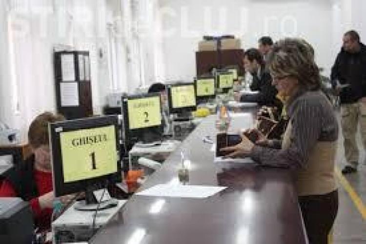 Funcționarii din Primăria Cluj-Napoca intră în grevă vineri, când și așa au program scurt