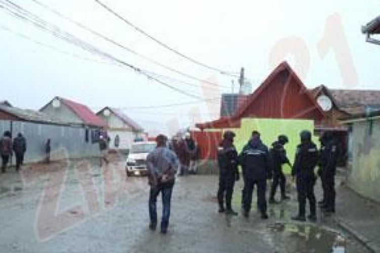 Bărbatul evadat din arest IPJ Cluj, căutat în cartierul de romi din Turda
