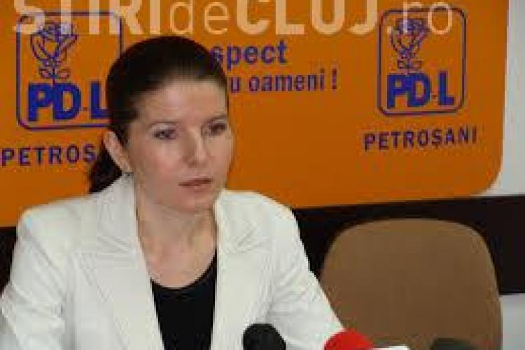Monica Iacob Ridzi s-a predat la IPJ Cluj