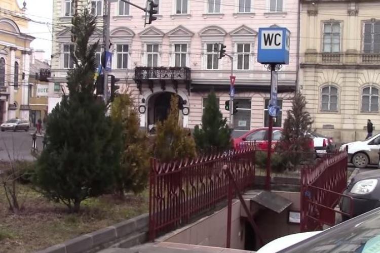 TEST! La WC -ul public din centrul Clujului nu intri cu rugăminți. N-ai bani te descurci - VIDEO