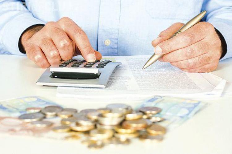 O bancă reduce dobânda pentru creditele în franci elvețieni