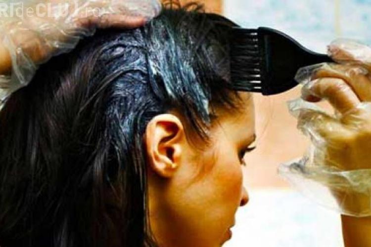 O studentă și-a vopsit părul și a ajuns de urgenţă la spital