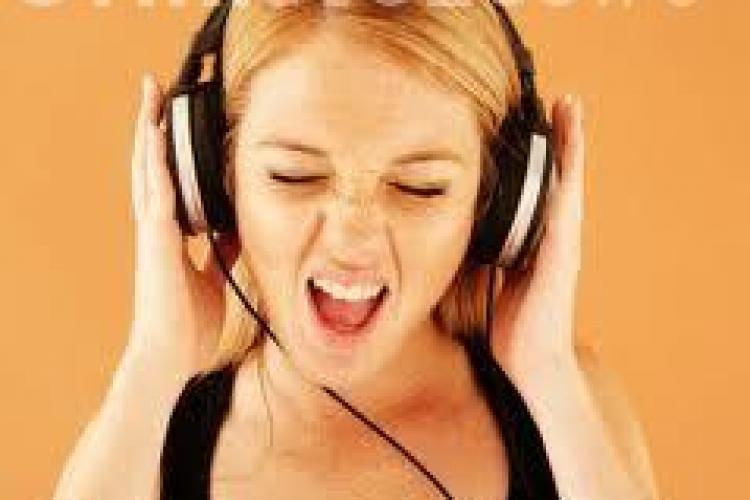 Muzica poate afecta negativ memoria. Ce au descoperit oamenii de știință