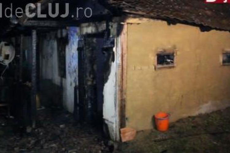 Incendiu la o casă din Mociu. Un bărbat a murit VIDEO