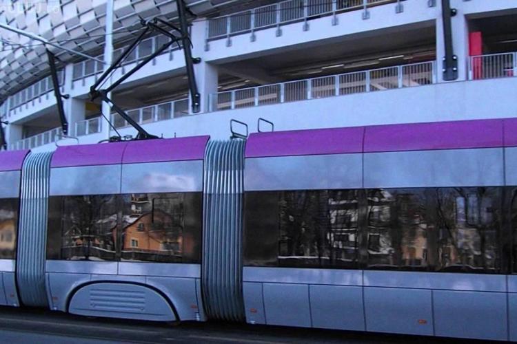 Accident între un autoturism și un tramvai în față la Cluj Arena