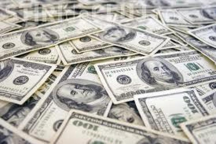 Dolarul a atins un nivel ISTORC la cursul BNR