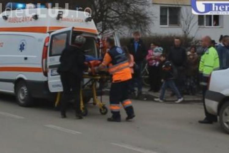 Bărbat găsit mort pe trotuar la Gherla. A căzut pe jos în drum spre casă VIDEO