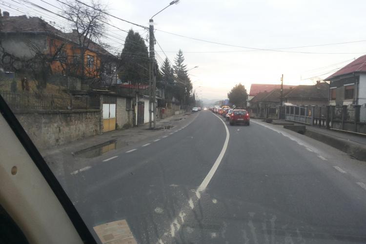 Traficul Baciu - Cluj-Napoca este blocat dimineața. Care este problema? - FOTO