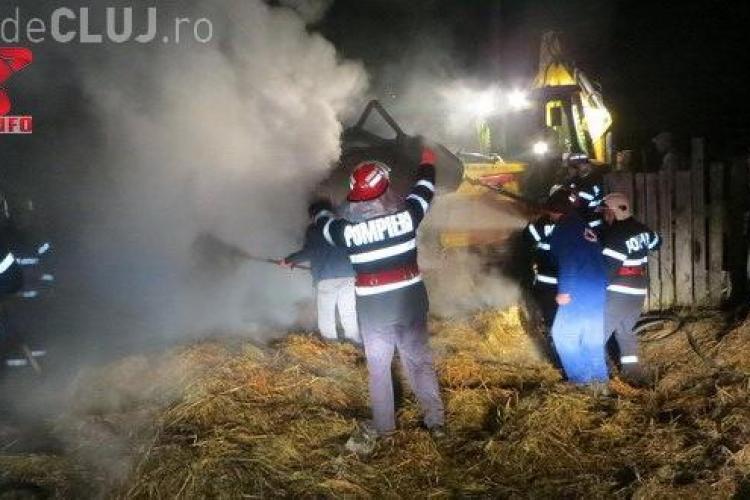 Incendiu într-o localitate clujeană. Pompierii cred că a fost pornit de la o țigară VIDEO