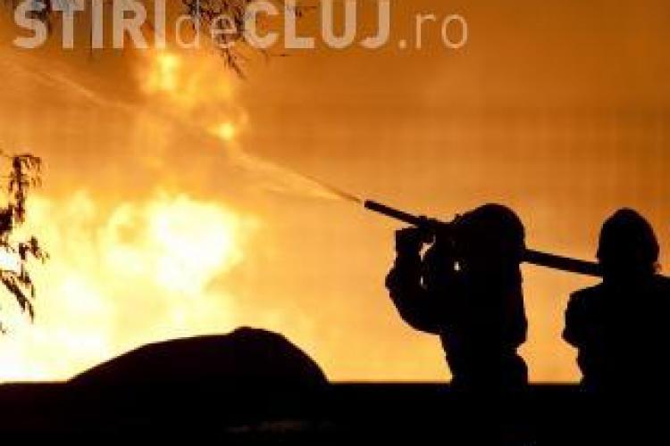 Incendiu la o fermă în Dej VIDEO