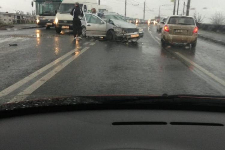 Accident pe podul IRA! O mașină s-a făcut PRAF - FOTO