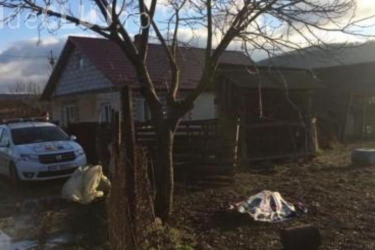 Încă o sinucidere în Cluj. Un bărbat a fost găsit spânzurat în fața porții FOTO