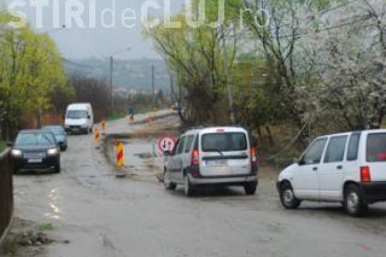 Clujenii de pe Voievodul Gelu sunt revoltați de lucrările de modernizare: Afaltează strada, dar nu ne baga nici măcar canalizare