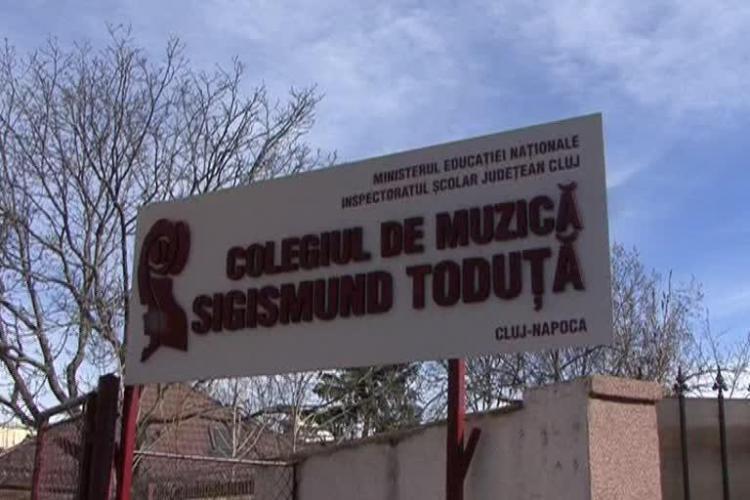 Învățătoarea din Cluj care a UMILIT un elev de 7 ani e în concediu medical