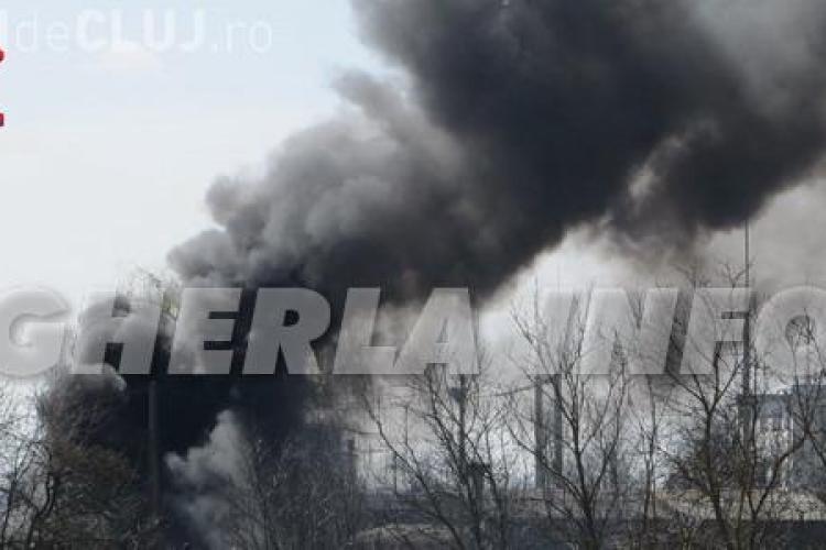 Incendiu la Uzina Electrică din Gherla. Fumul a acoperit orașul VIDEO