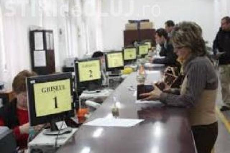 Angajații Primăriei Cluj-Napoca ar trebui să poarte ecusoane cu numele, fotografia și funcția