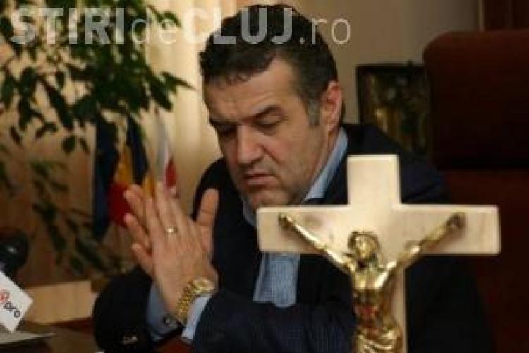 Gigi Becali cumpără pământul de la mormântul Părintelui Arsenie Boca