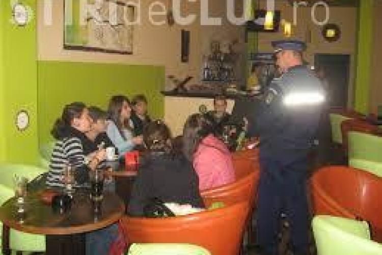 Minorii de până la 16 ani vor putea intra în baruri și discoteci numai cu însoțitori