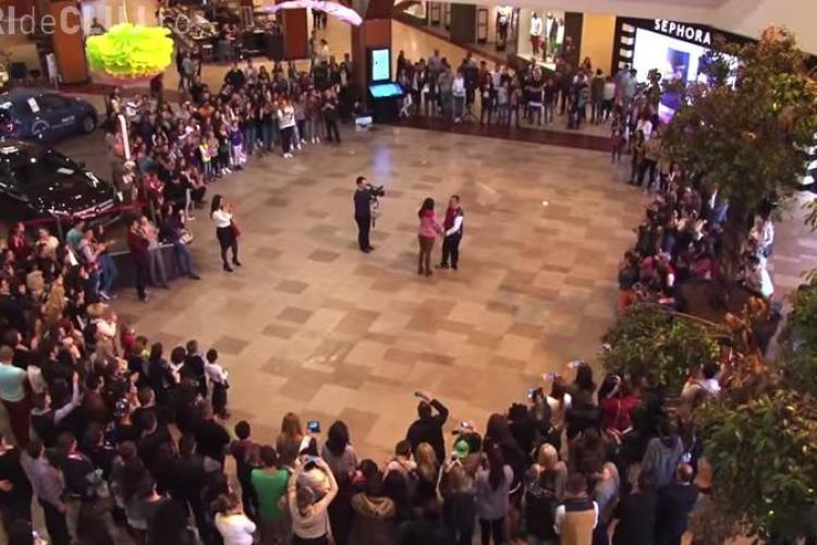 VIDEO complet cu cererea în căsătorie de la Iulius Mall - VIDEO