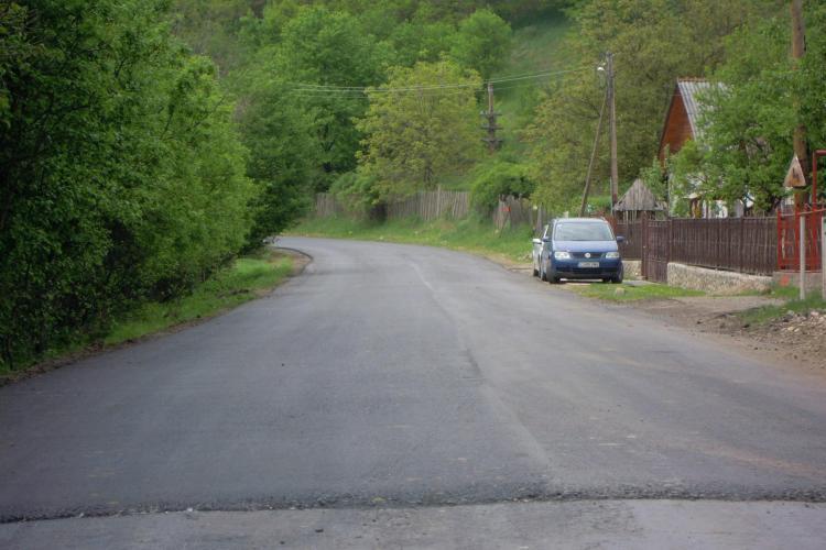 Se asfaltează DJ 107 N - Băişoara - Valea Ierii
