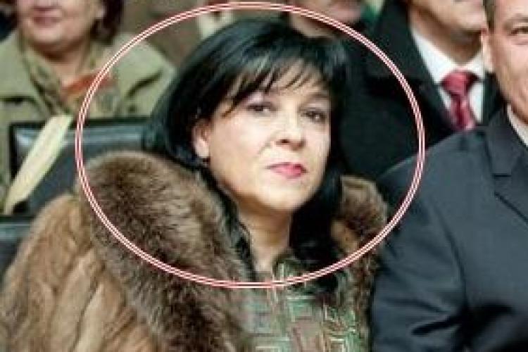 Nevasta senatorului PSD Cluj, Alexandru Cordoș, a luat 10.000 de lei pentru a angaja un AUTOPSIER. Ce ȚEPE DĂDEA cu nerușinare