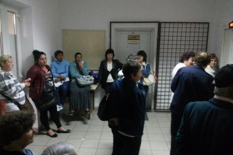 Probleme cu cardurile de sănătate la Cluj. Ce s-a întâmplat în această dimineață la CAS Cluj - VIDEO