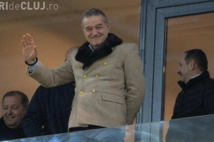 Reacția suporterilor când l-au văzut pe Gigi Becali în tribună la meciul Steaua-Petrolul