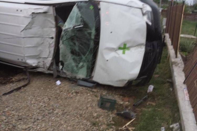 Accident la Chinteni! Un șofer beat a făcut RAVAGII pe drum - FOTO