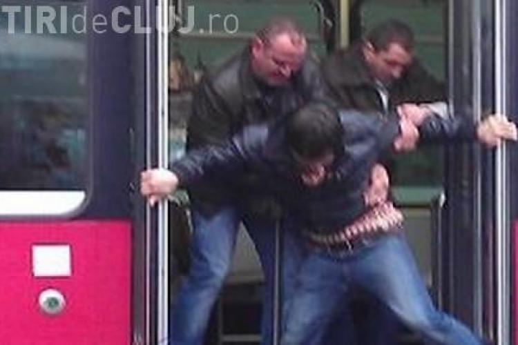 Clujean amendat pe autobuz cu 150 de lei: A CĂLĂTORIT CU BILET PARFUMAT !!! - FOTO