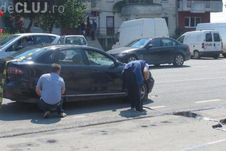 """Femeie lovită de mașină la Gherla. A """"țâșnit"""" în stradă, la câțiva metri de trecerea de pietoni VIDEO"""