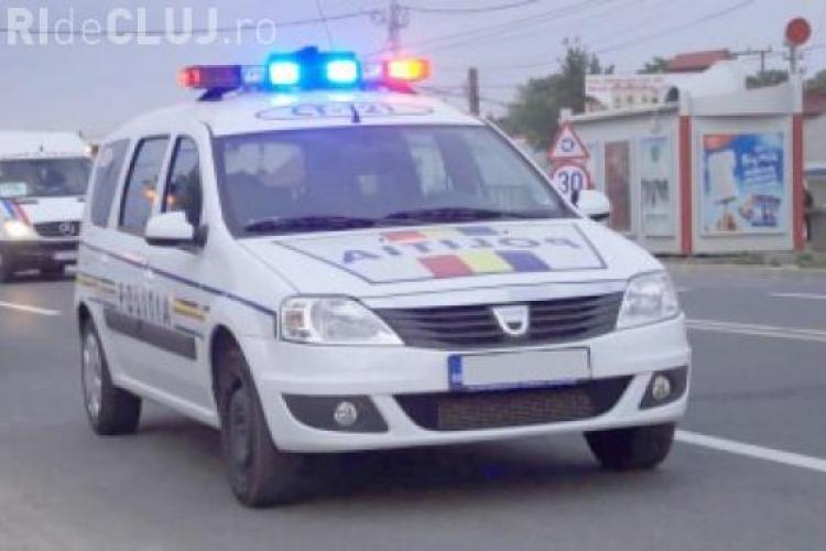 Urmărire cu mașini între hoți și polițiști la Cluj! I-au prins cu 8 porci în mașină - VIDEO