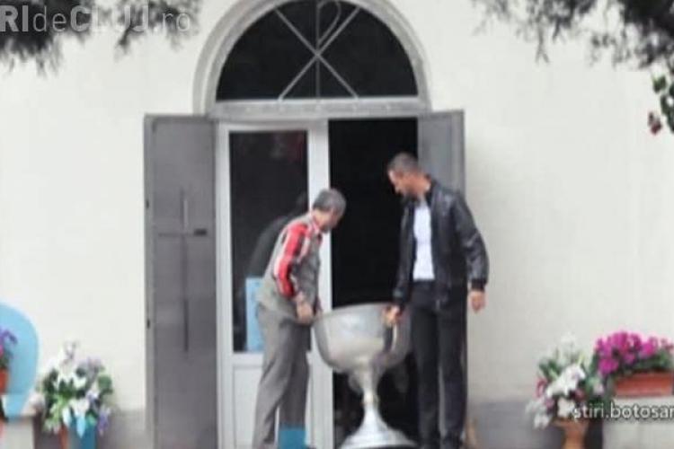 Un preot a scăpat bebelușul în cristelniţă, la botez. Copilul s-a rănit grav
