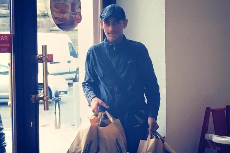 Clujenii au SUFLET! Ce gest a făcut un informatician pentru un băiat care vindea flori