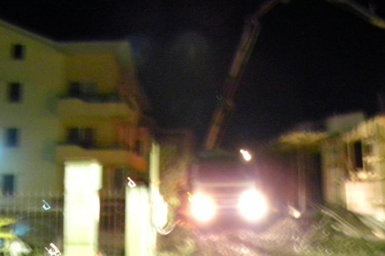 Lucrări de construcție în miez de noapte la Florești. Locatarii sunt disperați, dar Primăria nu le zice nimic FOTO VIDEO