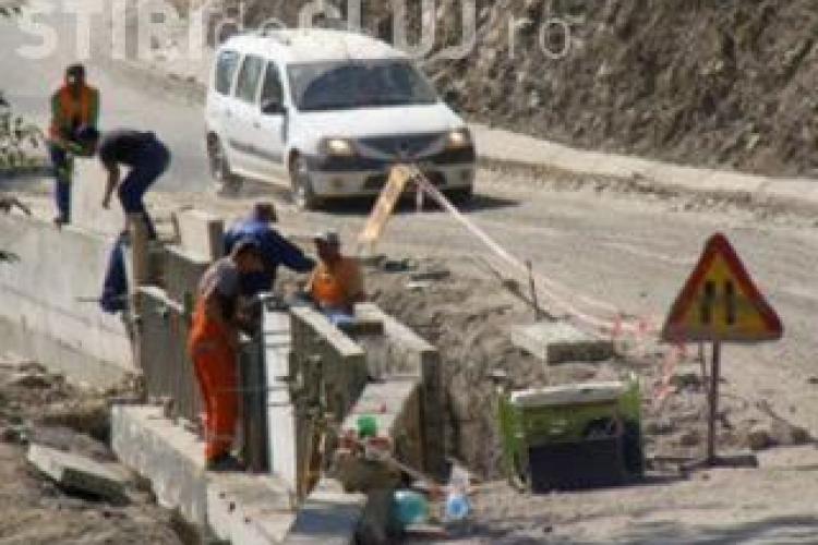S-a semnat contractul de asfaltare a drumului Răchițele - Prislop - Ic Ponor. Avram: Sunt cu demisia pe masă